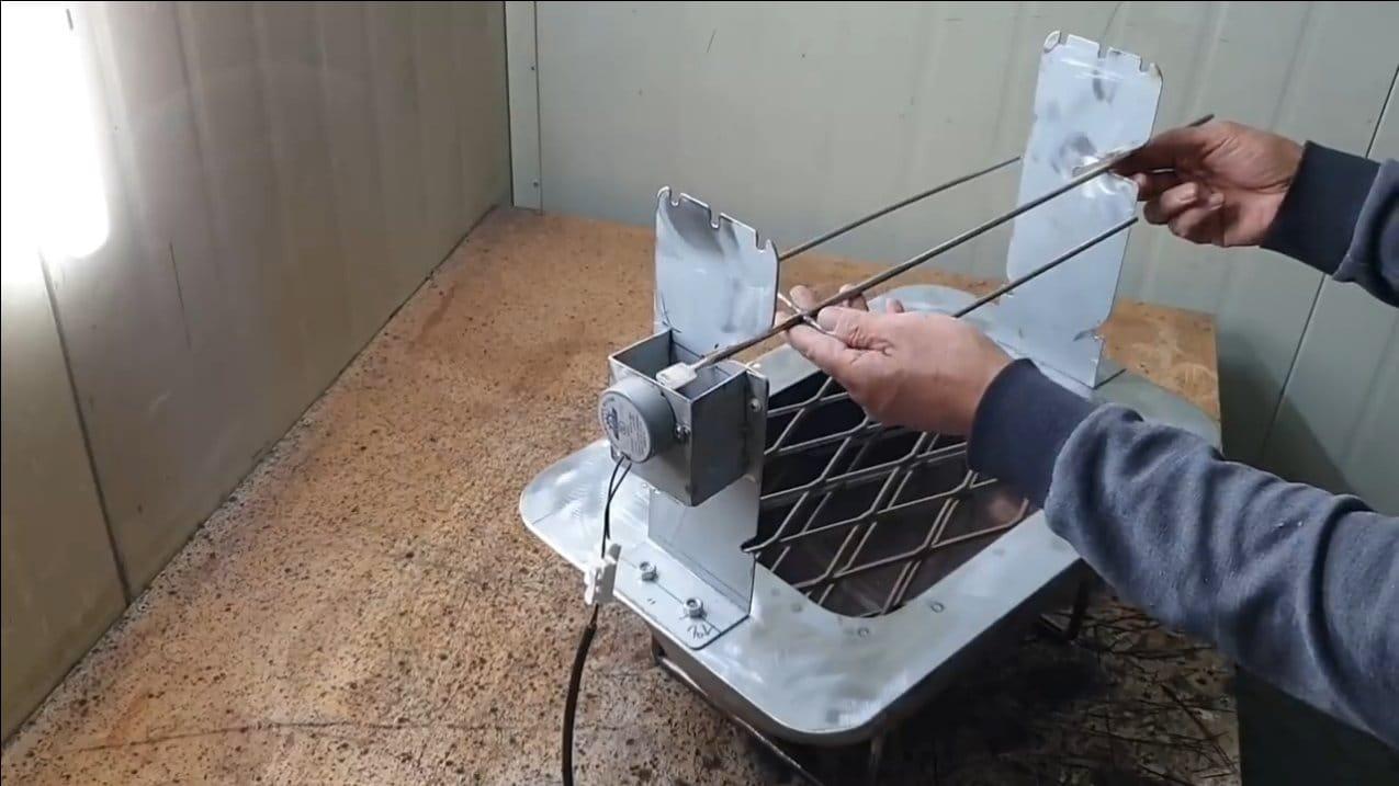 Мангал с моторизированным поворачиванием