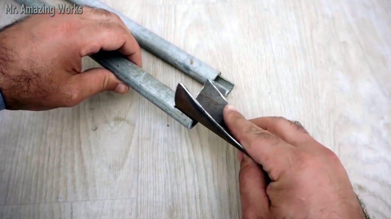 Самодельный садовый инструмент для удаления сорняков и посадки растений