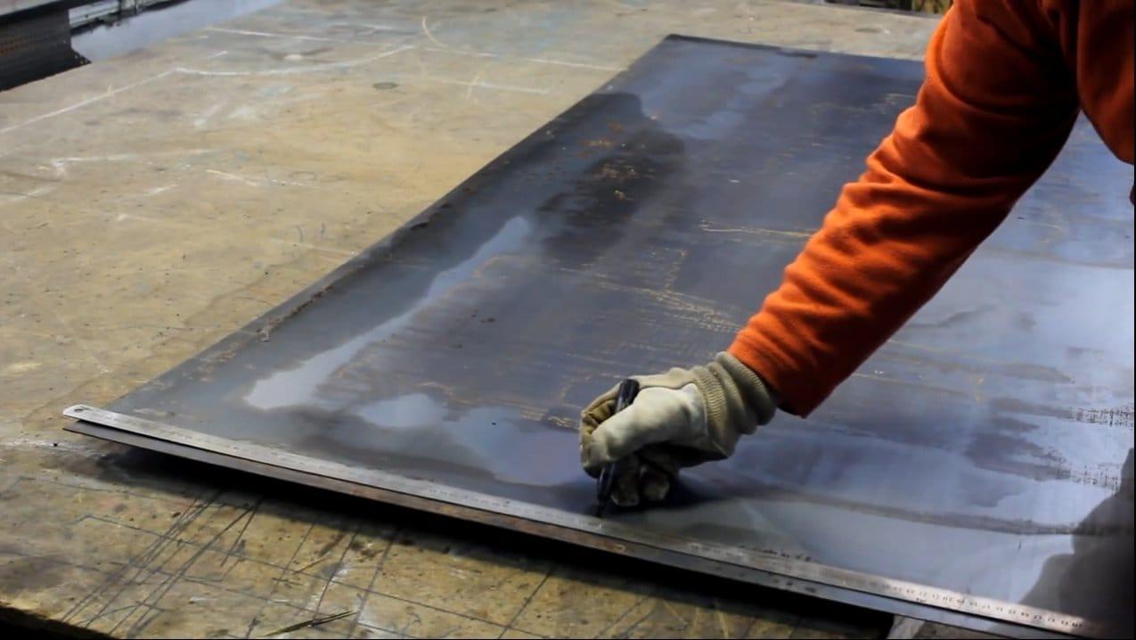 Печь буржуйка из листовой стали и шамотного кирпича