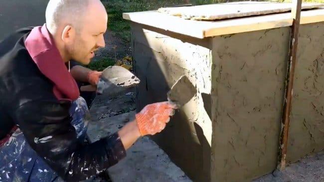 Финишное покрытие стен «дикий камень» из плиточного клея