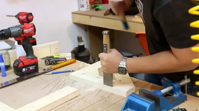 Компактный настенный складной стол своими руками