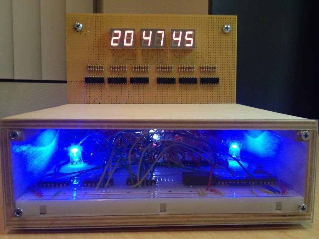Стильные часы на ТТЛ-микросхемах
