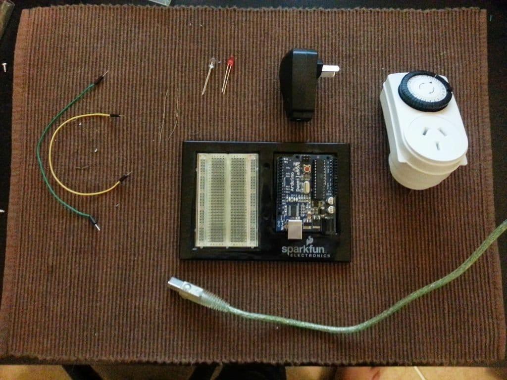 Устройство для запуска робота-пылесоса по расписанию