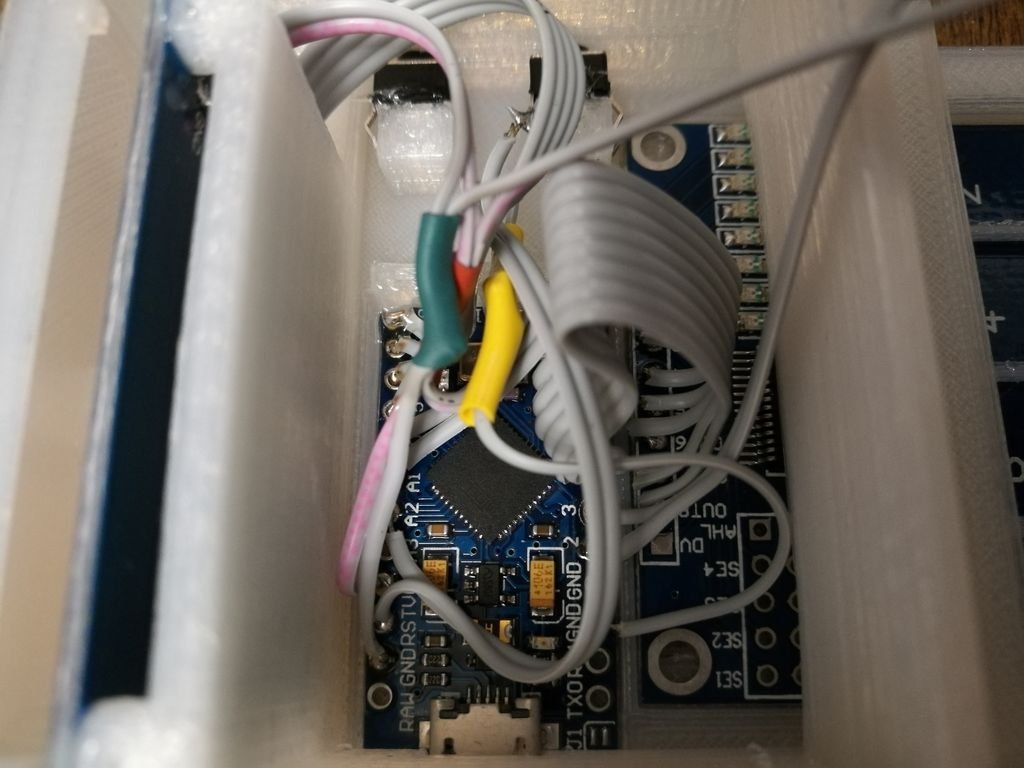 Устройство ввода макрокоманд с дисплеем и картой памяти