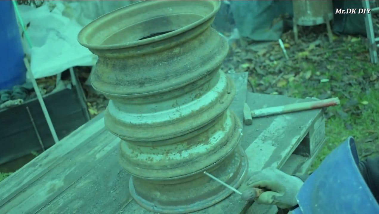 Простая буржуйка с варочной плоскостью из старых колесных дисков