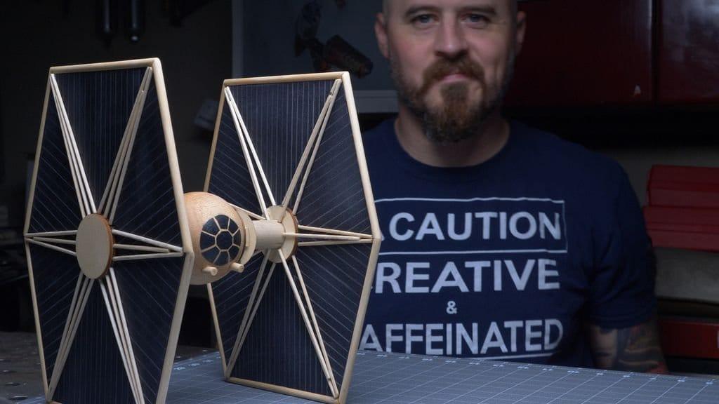 Модель истребителя TIE из фильма «Звездные войны»