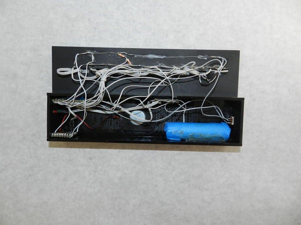 MP3-плеер с «пластинками» из оргстекла