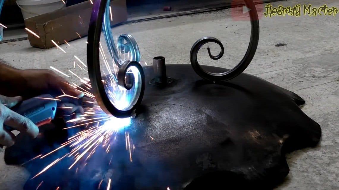 Уличная жаровня из двух дисковых борон