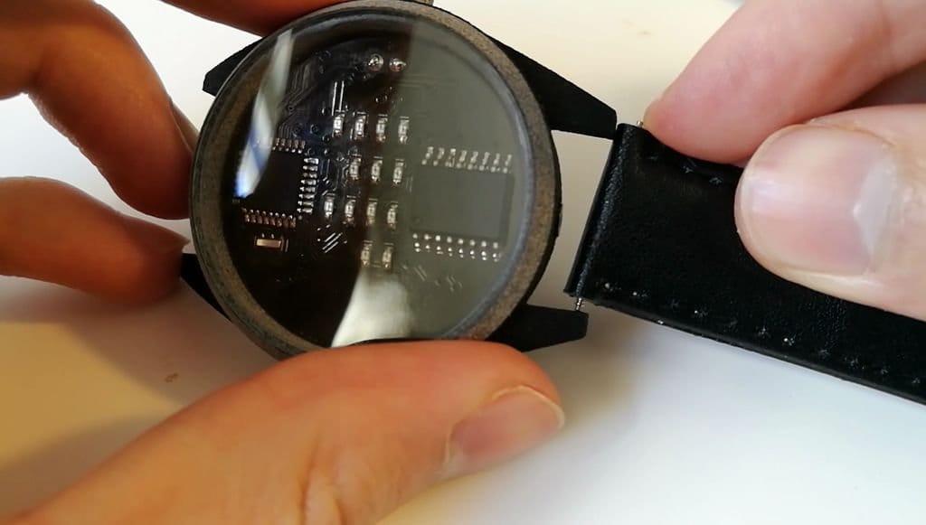 Бинарные часы своими руками